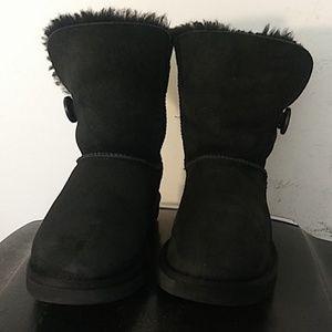Women's UGG  #5803 one botton black boots size 8
